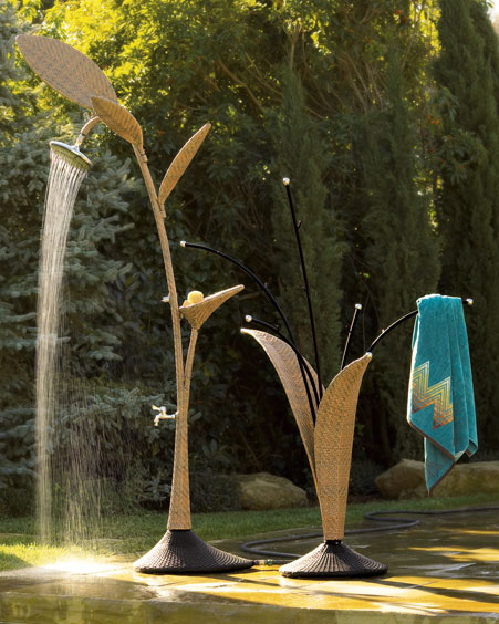 Horshow-wicker-shower-towel-rack[1]